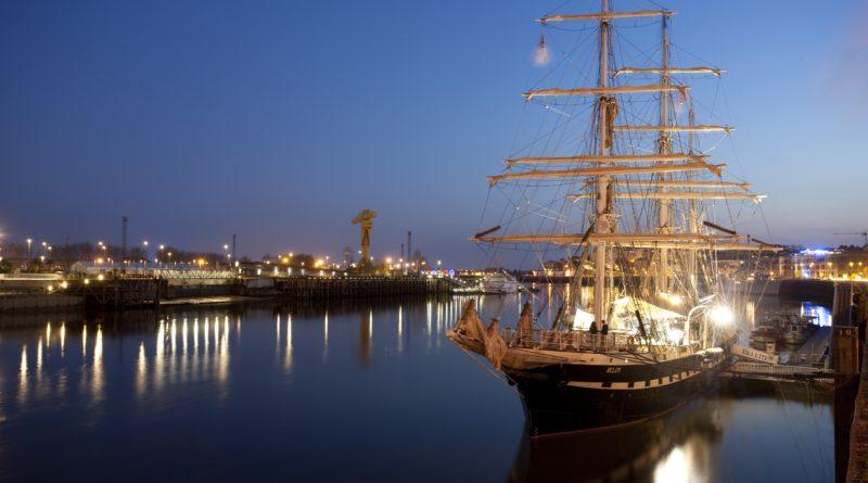 Belem : Un retour nocturne majestueux à Nantes