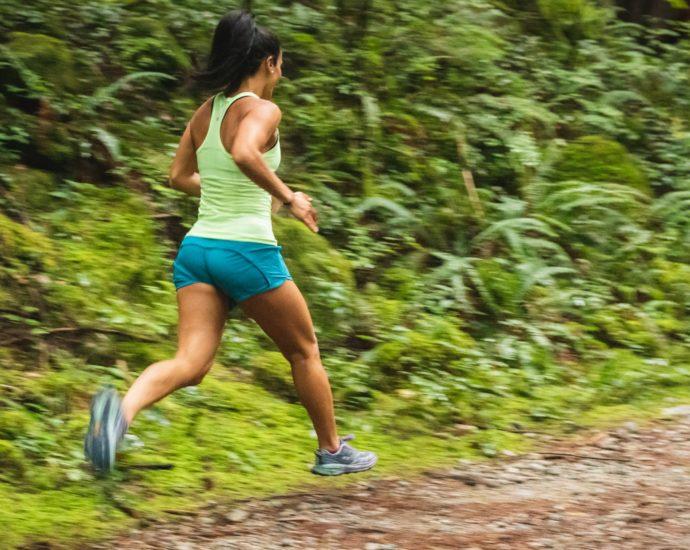 femme en train de faire du jogging